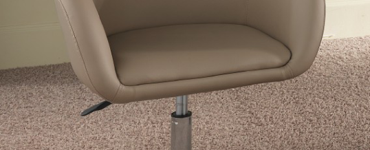 Tavoli e sedie 12